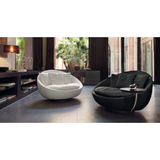 Lacoon Lounge Chair