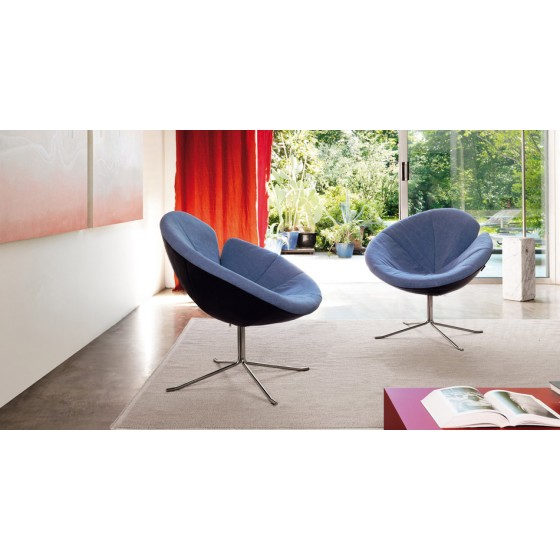 One Flo Lounge Chair