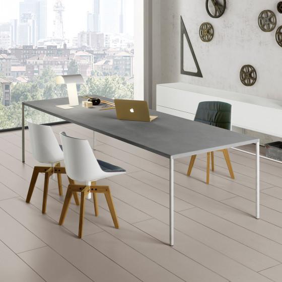 Robin Table