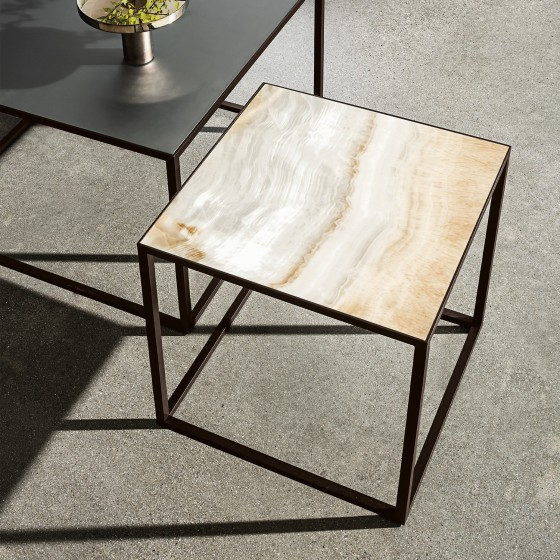 Quadro Side Table