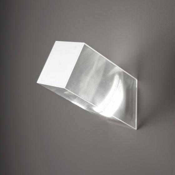 Beetle Medium 60º Cube Wall Lamp