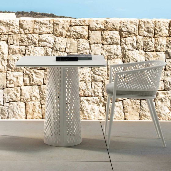 Pascal Bistrot Table