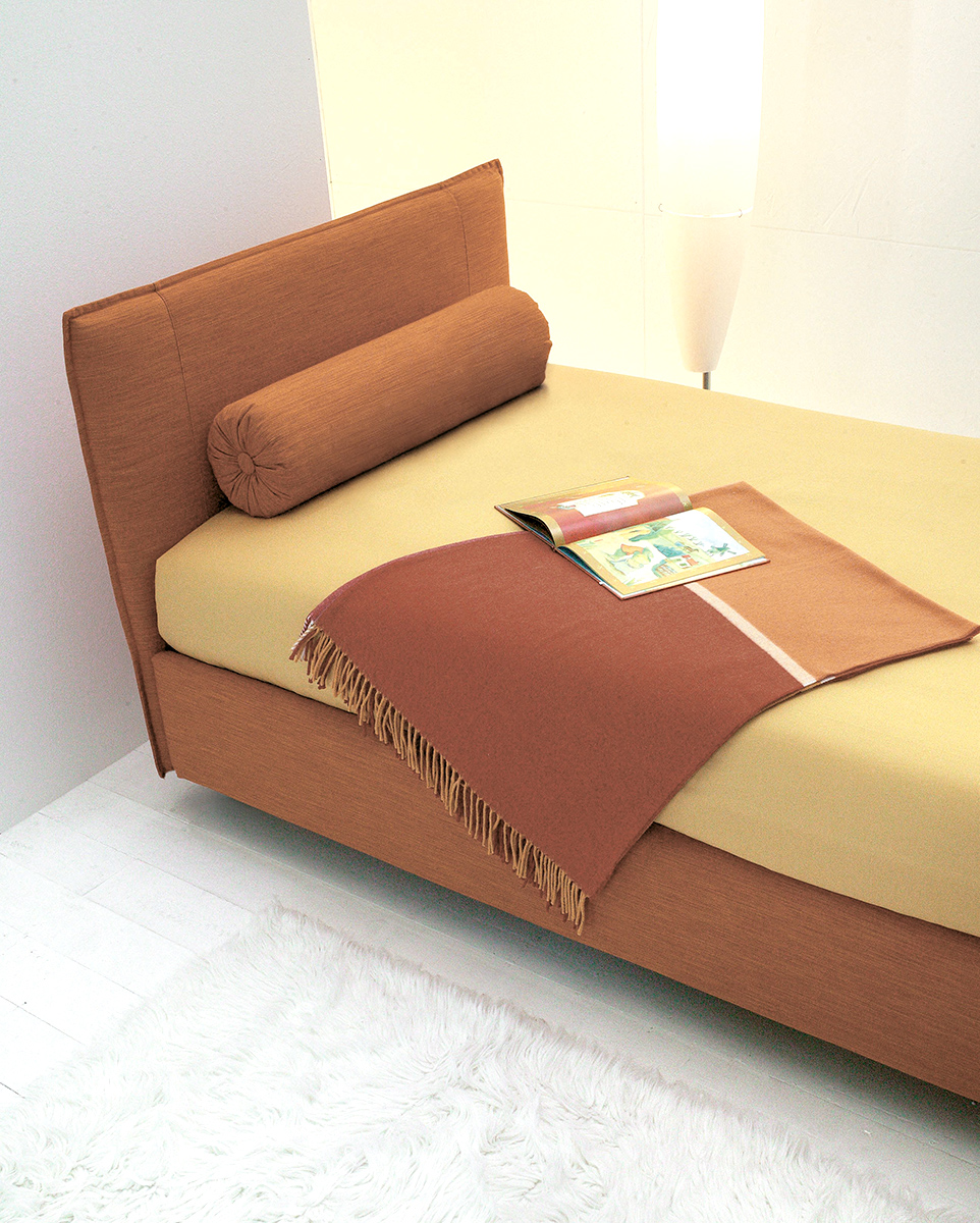 Paco Bed