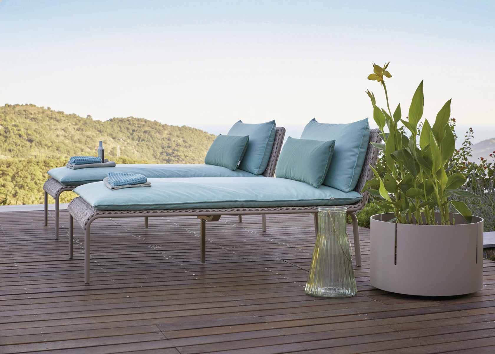High end outdoor key west italian lounger italian for High end outdoor furniture