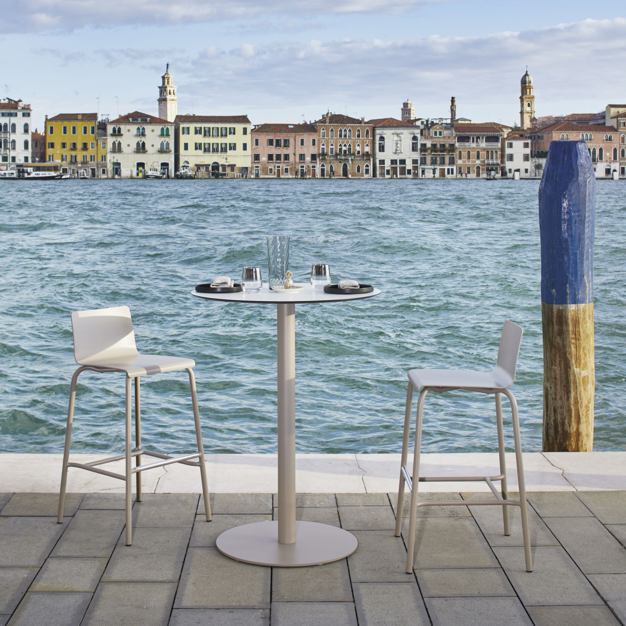 High-end Samba Rio Italian Designer Bar Table - Italian Designer ...