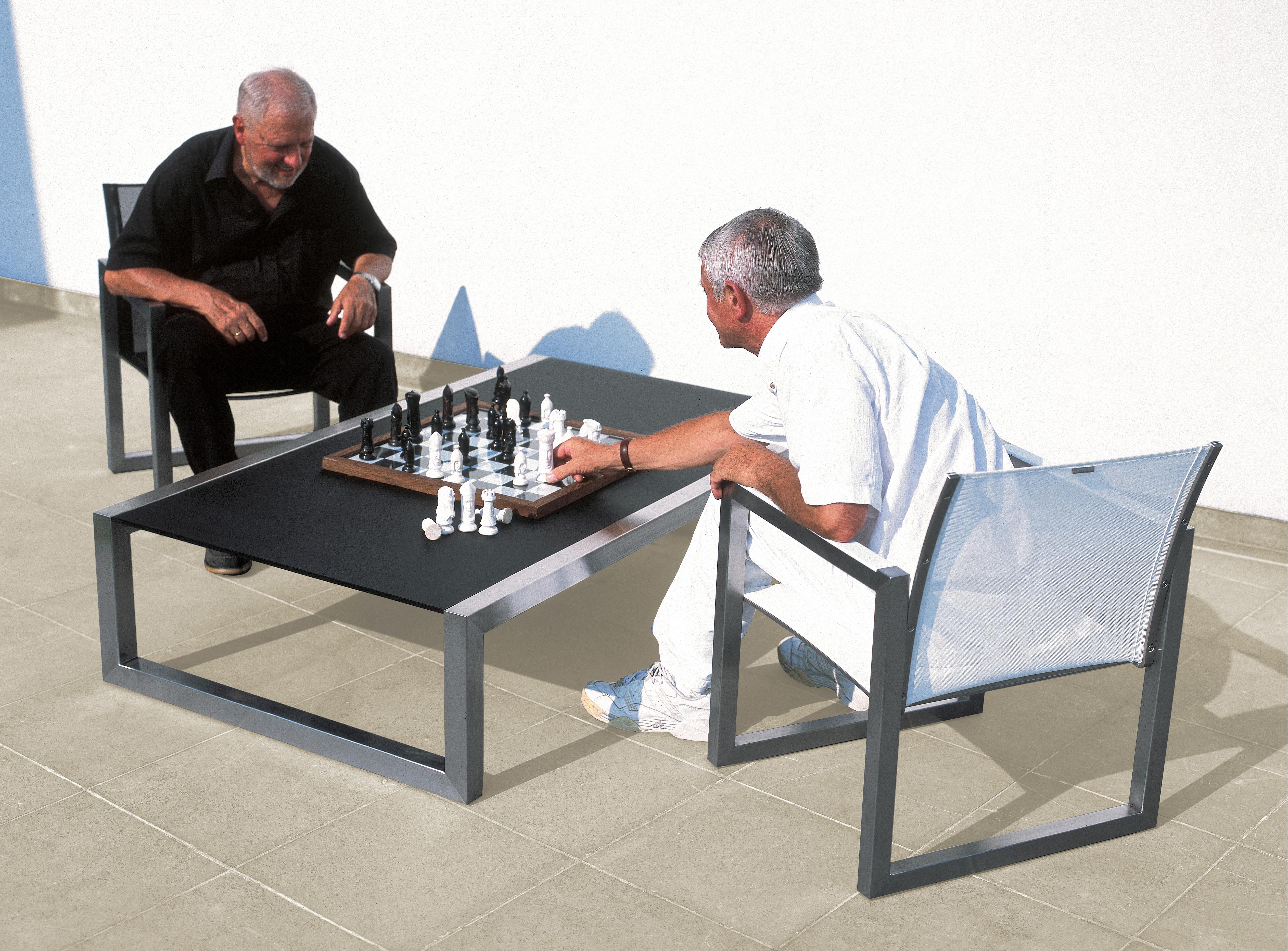 Ninix Table