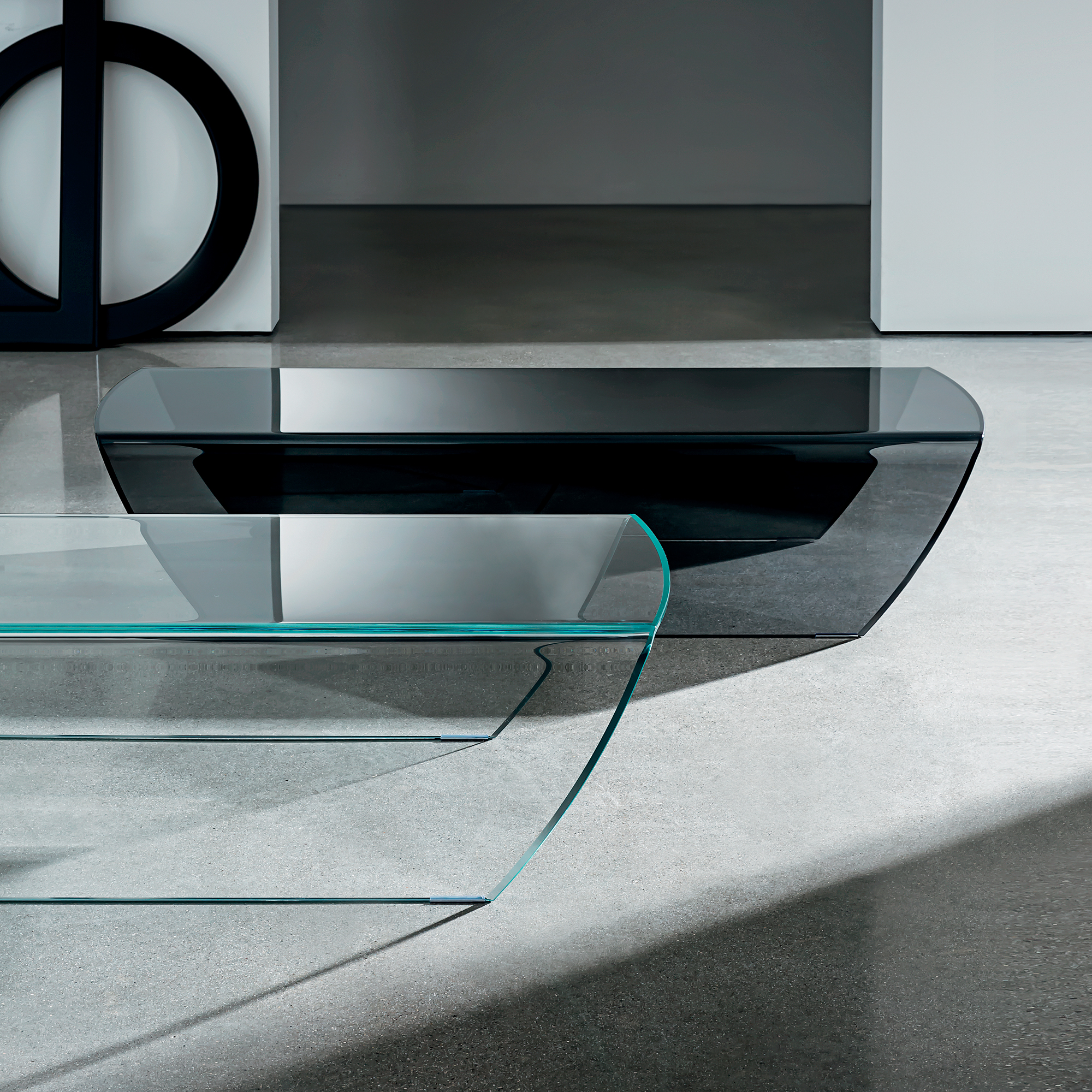 Taky Curved Glass Coffee Table: Taky Coffee Table