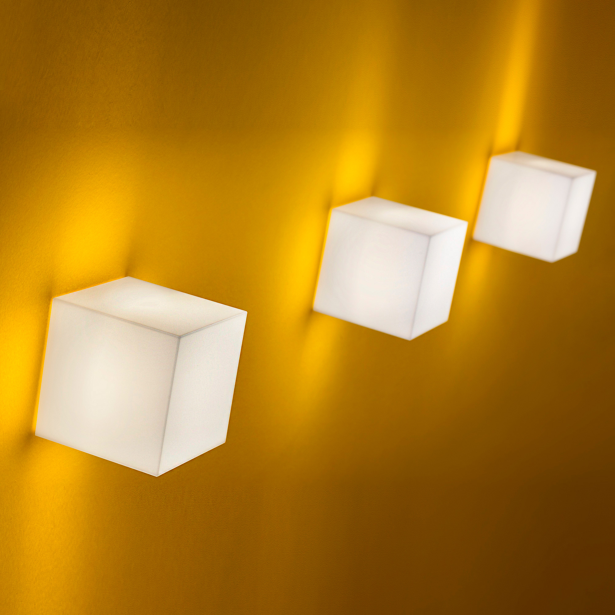 Modern High-End Italian Designer Beetle Mini Cube Wall Lamp - Designer & Luxury Lighting at Cassoni